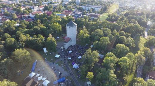 Первый день Фестиваля мнений посетили 6000 человек.Сегодня фестиваль продолжается!